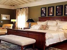 Diy Decorating Ideas For Master Bedroom by Master Bedroom Decorating Ideas Which Can Provide