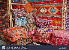 Orientalische Sitzkissen Shop - traditional cushions made from carpets and
