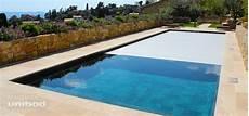 couverture de piscine electrique couvertures automatiques de piscine haut de gamme unibad