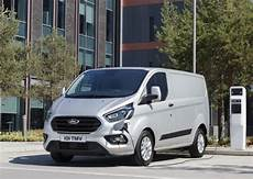 ford transit custom hybride rechargeable performances