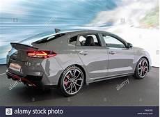 hyundai i30 n kaufen okt 2 2018 neue hyundai i30 flie 223 heck n auto auf