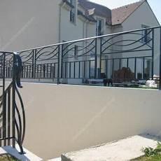 Balcons En Fer Forg 233 Style Moderne Mod 232 Le Anneaux