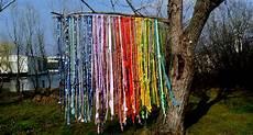 vorhang im garten windspiel selber basteln windspiele