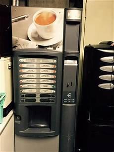 distributeur automatique occasion distributeurs automatiques de boissons chaudes en belgique pays bas luxembourg suisse