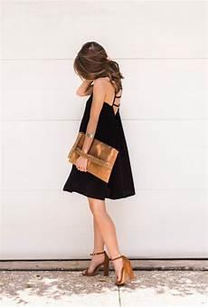 schwarzes kleid bunte schuhe beliebte kurze kleider