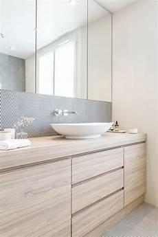 amenagement salle de bain id 233 e d 233 coration salle de bain meubles sous evier en bois
