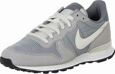 nike internationalist schuhe grau