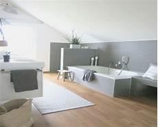 holzfliesen bad einfach graue holzfliesen badezimmer jpg 800 215 650 pixel