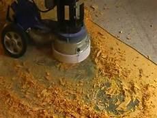 geklebten teppichboden entfernen teppichkleber entfernen