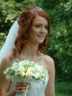 Wavy Hairstyles For Weddings