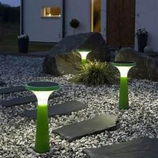 les solaires de jardin 61030 les les solaires de jardin 233 clairage joli et 233 cologique pour l ext 233 rieur archzine fr