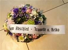 kranz beerdigung preis trauerkr 228 nze trauergestecke zur beerdigung