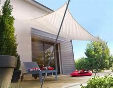 Voile Blanche Ombrage Avec Piquets Pour Terrasse Salon
