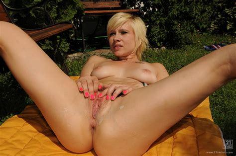 Nude Sex Granny