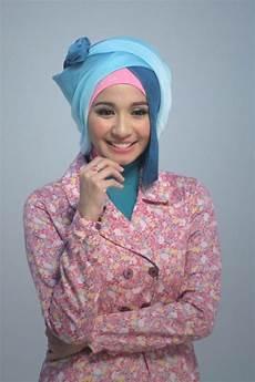 Gaya Fesyen Laudya Cynthia Berhijab Foto 3