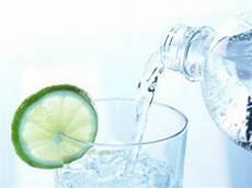 welches mineralwasser ist das beste darum ist mineralwasser das beste getr 228 nk der welt eat