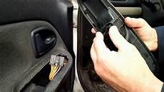 remplacer bouton leve vitre clio 2 cote conducteur