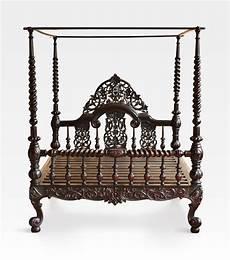 letto baldacchino legno letto indiano a baldacchino coloniale intagliato legno