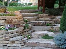 gartengestaltung mit naturstein naturstein platten zum gestalten einer treppe garten neu