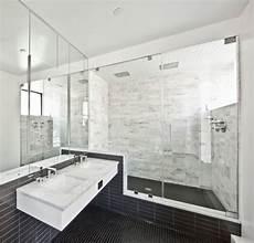 Schwarz Weißes Bad - badezimmer schwarze fliesen