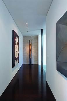 schmaler flur streichen lavish beverly residence brings home the
