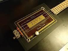 Crestguitars Java Premium 3 String Electric Cigar Box