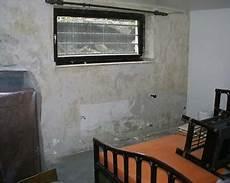 Feuchtigkeit In Den Wänden - das umwelthaus sanfte trockenlegung ohne chemie