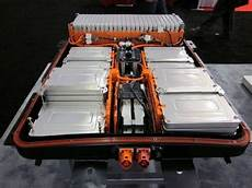 nissan leaf batterie nissan leaf battery pack ii cleantechnica