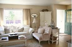 wandfarbe sand wohnzimmer paint color on the wall is behr s seaside sand that door