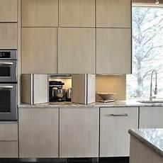 küche im schrank 25 ideen um die elektroger 228 te in der k 252 chenzeile zu