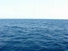 Hijau Laut Biru Langit