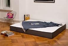 Die Matratze Einfach Auf Den Boden Legen Und Trotzdem Gut