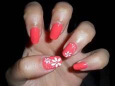 tutorial nail fiori tutorial nail semplice fiori bianchi su unghie corallo