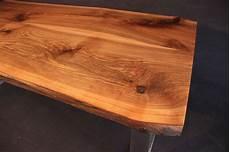 tischplatte mit baumkante massivholz kaukasischer nussbaum
