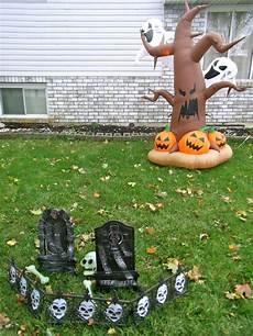 halloween party deko im garten tolle atmosph 228 re im