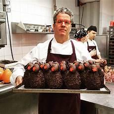 crema pasticcera di ernst knam l arte del cioccolato a milano la pasticceria ernst knam compie 25 anni