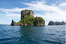 bida nai dive sites koh phi phi diving
