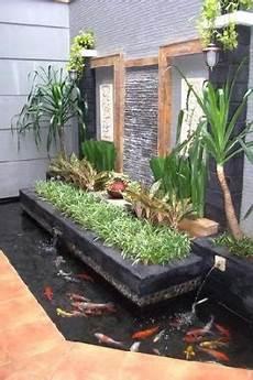 Desain Taman Air Rumah Minimalis Modern Sibuk