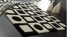 tapis 100 noir et blanc motifs g 233 om 233 triques tapis