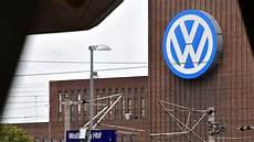 Vw Diesel Skandal Adac Und Verbraucherschutz Bereiten