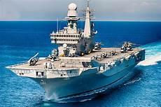 le portaerei italiane porto torna la portaerei cavour a civitavecchia e sar 224
