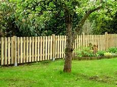 gartenzaun aus holz staketen zaunfelder verschraubt ab 28 99eur premium