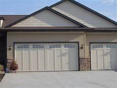 9 X 7 Overhead Garage Doors by 162z 03ra 18 X 8 And 9 X 8 Courtyard With Somerton