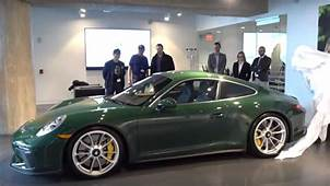 Porsche 911 GT3 Touring In British Racing Green Is Pure Class