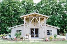 Planning A Rustic Wedding Check Out These Gorgeous Barn Wedding Venues