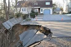 sinkhole in new jersey causes evacuations picture