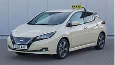 neuer nissan leaf neuer nissan leaf jetzt auch als elektroauto taxi