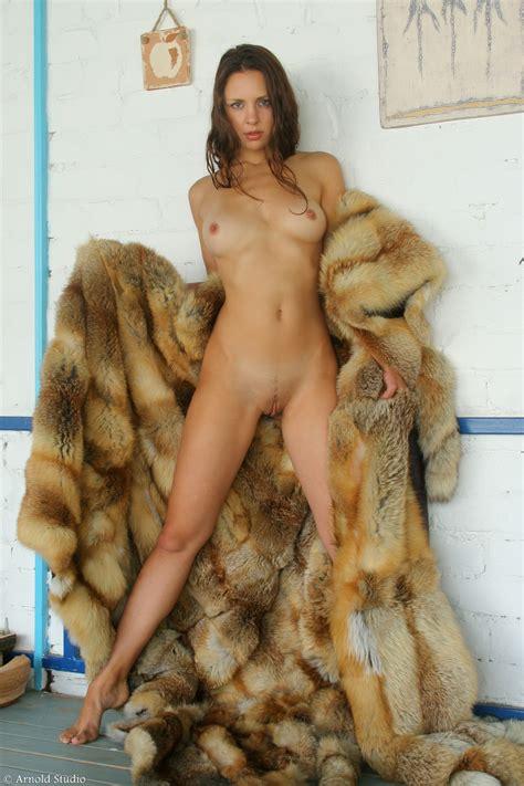 Laina Morris Hot