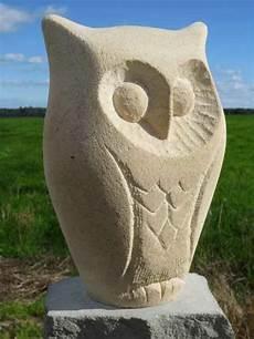 gartenskulpturen aus stein den garten stilvoll