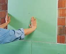 gipskartonplatten auf unebener wand befestigen gipskartonplatten kleben statt verputzen bauen de